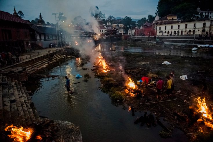 Victims of the earthquake were cremated at Pashupatinath Temple  in Kathmandu.